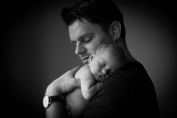 foto-pasgeboren-baby-vader